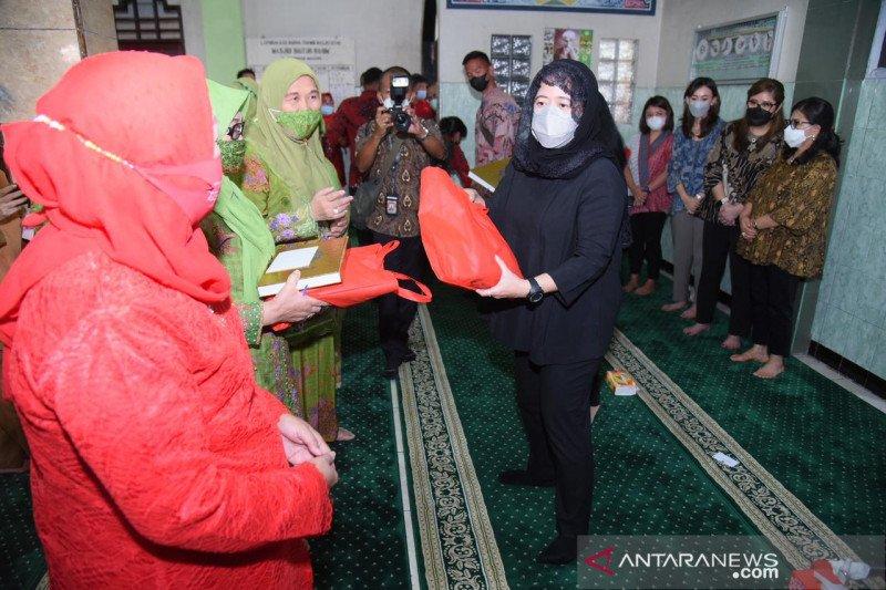 Puan Maharani temui warga Muslimat NU di Manado