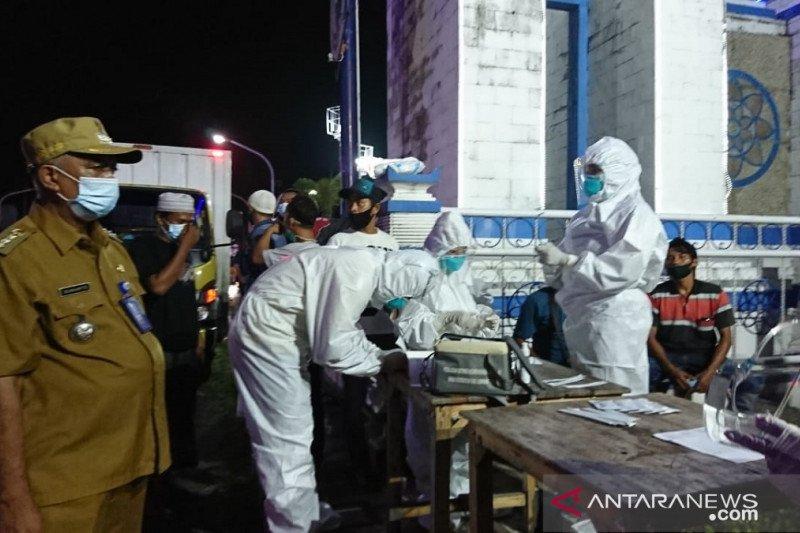 Satgas COVID-19 Sampang lakukan penyekatan di pintu masuk kota