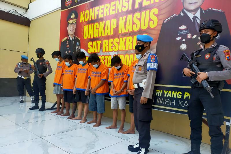 Polisi Sidoarjo tangkap dua DPO pelaku penganiayaan anggota TNI AL