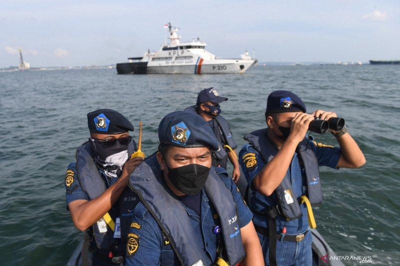 Patroli KPLP di daerah perbatasan