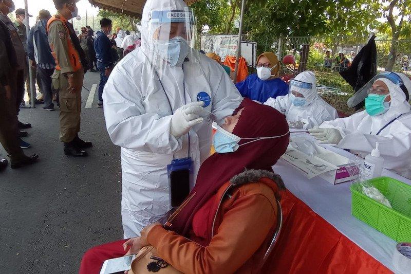 Pemkot Surabaya bantah hanya wajibkan warga Bangkalan tes COVID-19