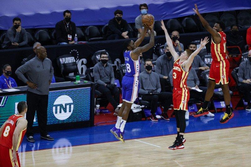 40 poin Embiid bantu Sixers samakan kedudukan 1-1 lawan Hawks