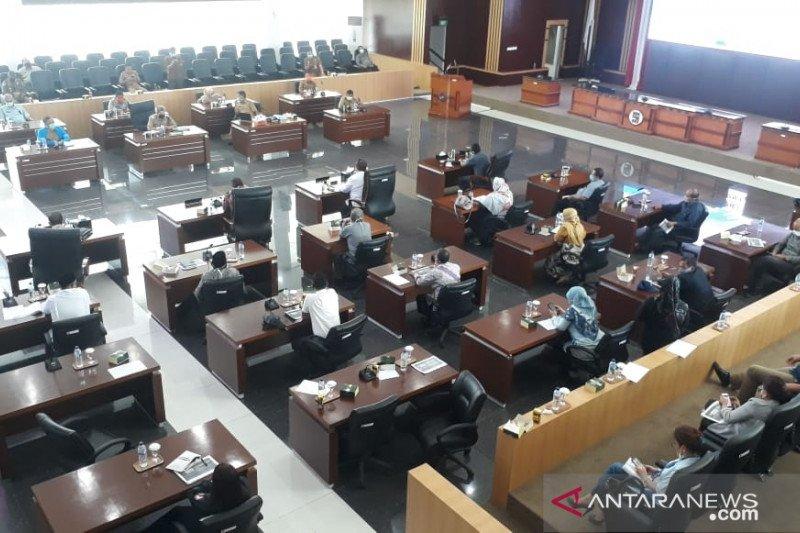 DPRD Kota Bogor menunggu Gubernur evaluasi Raperda SKBWM