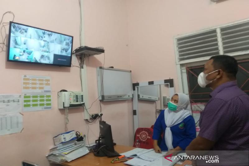 Anggota DPD RI memonitor pasien COVID-19 di Bireuen, Aceh