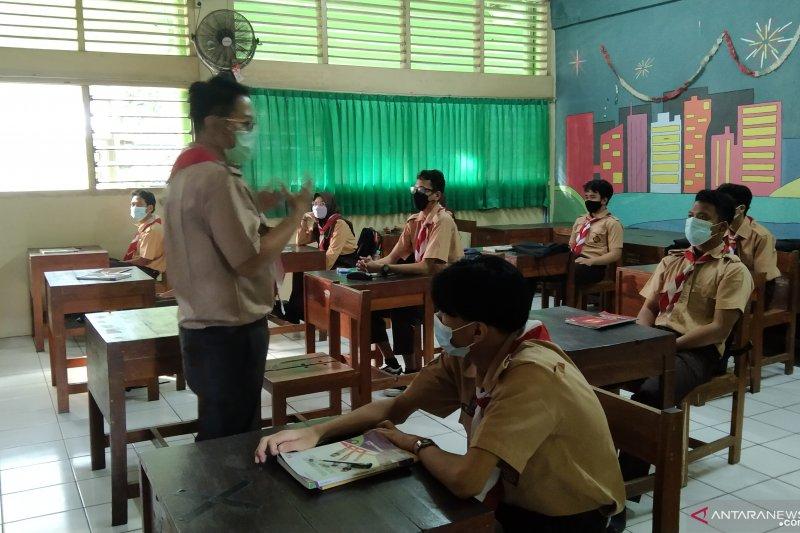 PTM kedua di Jaksel diikuti siswa sebanyak 25 persen kapasitas kelas