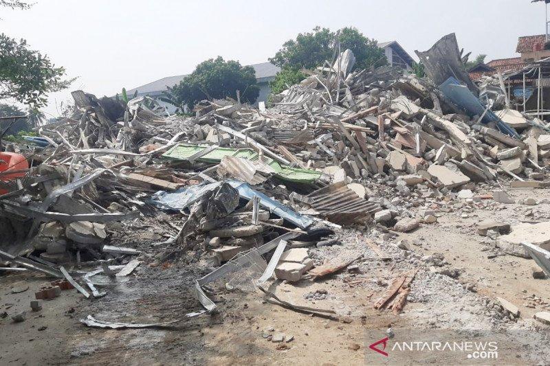 Satpol PP Kabupaten Bogor bongkar kontrakan berdiri di fasilitas umum