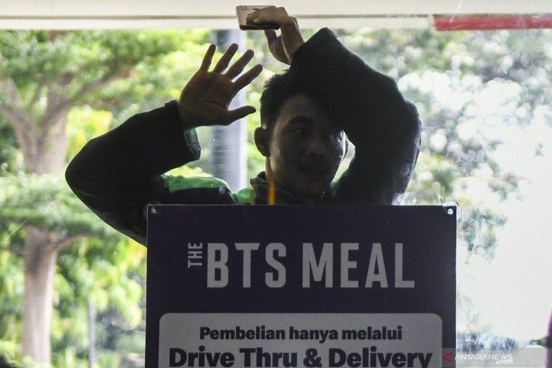 Pengelola gerai McDonald's diperiksa buntut kerumunan BTS Meal