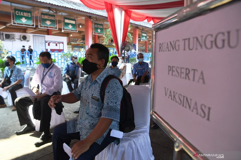 2.610 warga telah ikuti vaksinasi di Terminal Kampung Rambutan