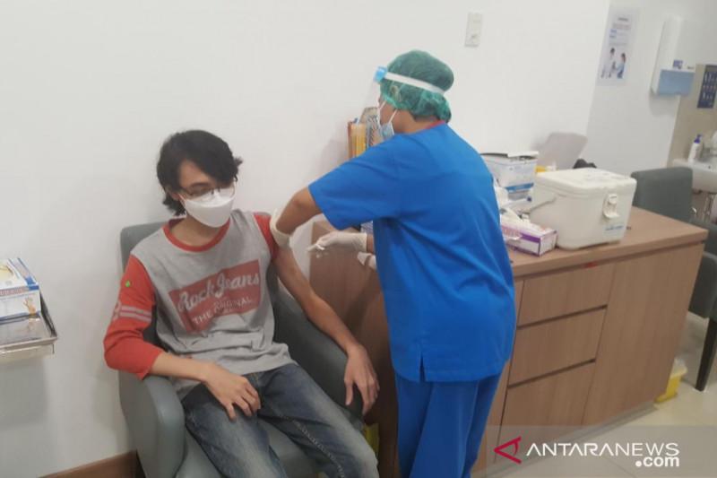 Lebih dari 20 juta orang Indonesia terkena jab COVID-19