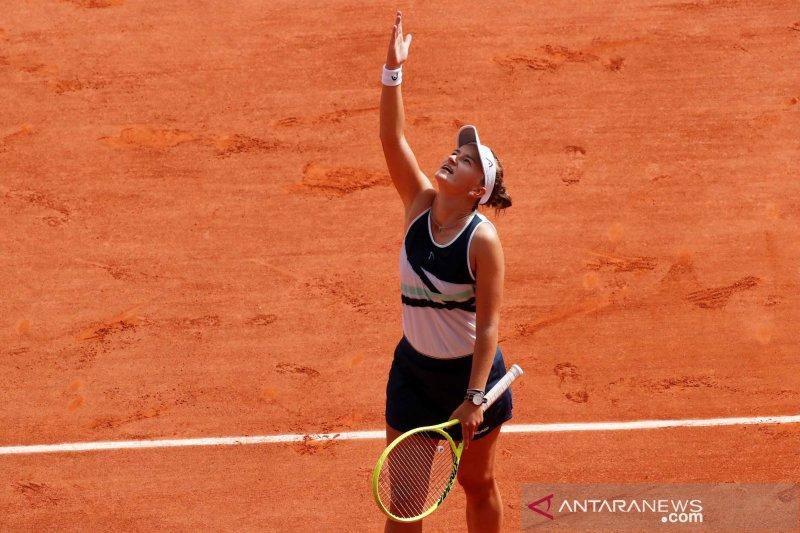 Krejcikova sapu bersih gelar tunggal-ganda di French Open 2021