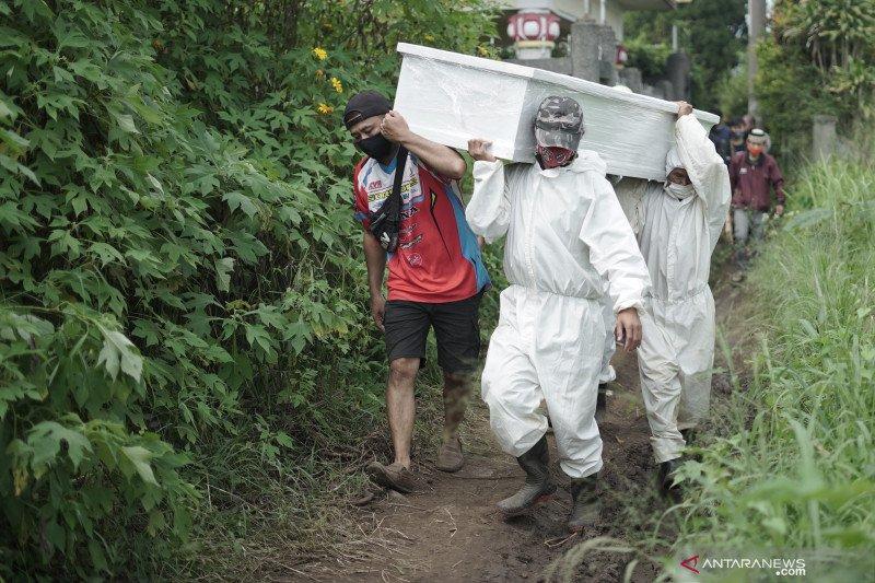 Jenazah dimakamkan di TPU COVID-19 Cikadut Bandung meningkat