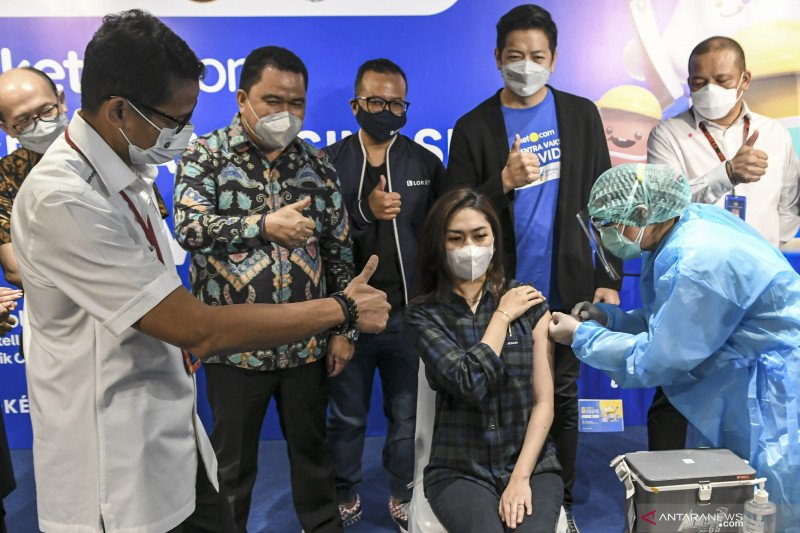 Sentra vaksinasi COVID-19 di Jakarta