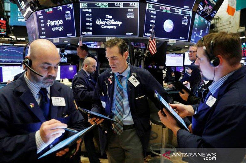 Wall Street naik setelah risalah Fed, indeks S&P 500 melonjak 104 poin