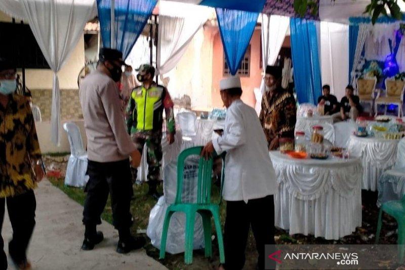 Satgas COVID-19 bubarkan pesta nikah di Cabangbungin Bekasi