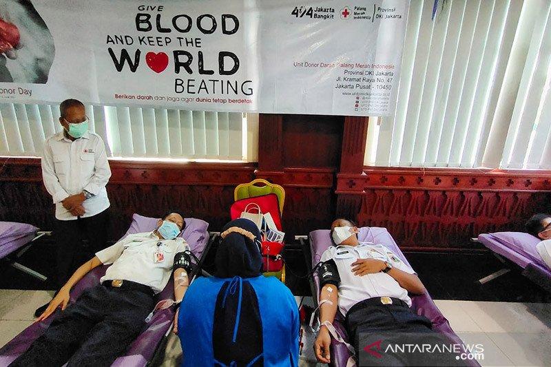 Plt Wali Kota Jakarta Selatan ajak ASN donorkan darah