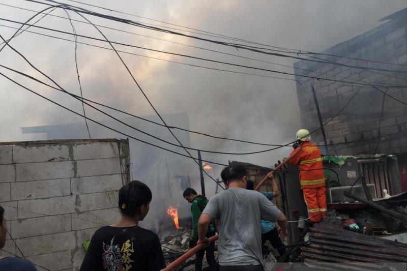 25 rumah terkena dampak Kebakaran di Pademangan