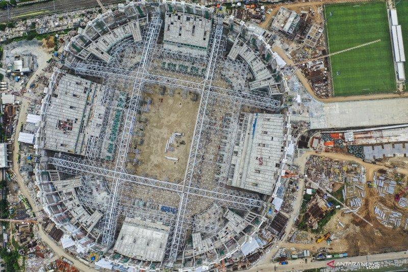 Atap seberat 3.900 ton telah terpasang di JIS