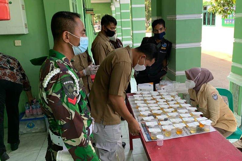 Puluhan prajurit TNI di Aceh Utara jalani tes urine cegah narkoba