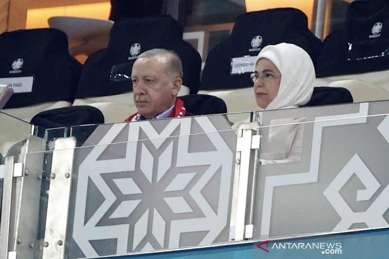 Kalah lawan Wales di hadapan Erdogan, bek Turki minta maaf