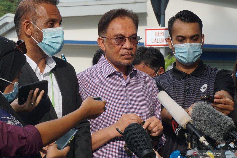 Oposisi Malaysia dan UMNO dukung raja untuk buka parlemen