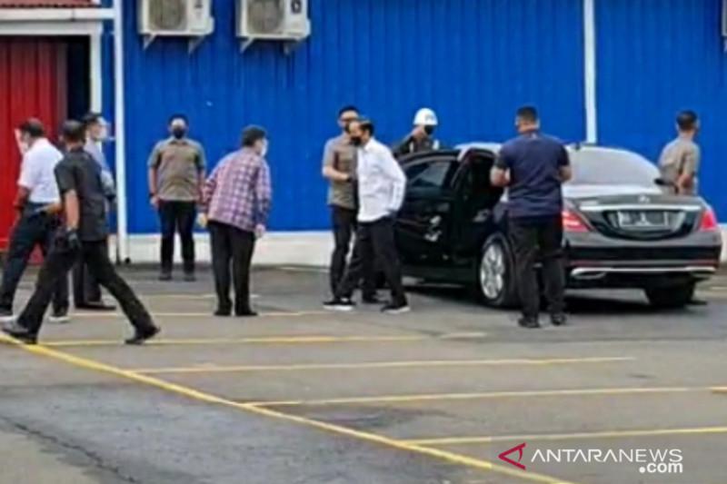 "Presiden Jokowi tinjau vaksinasi COVID-19 pengguna ""Commuter Line"""