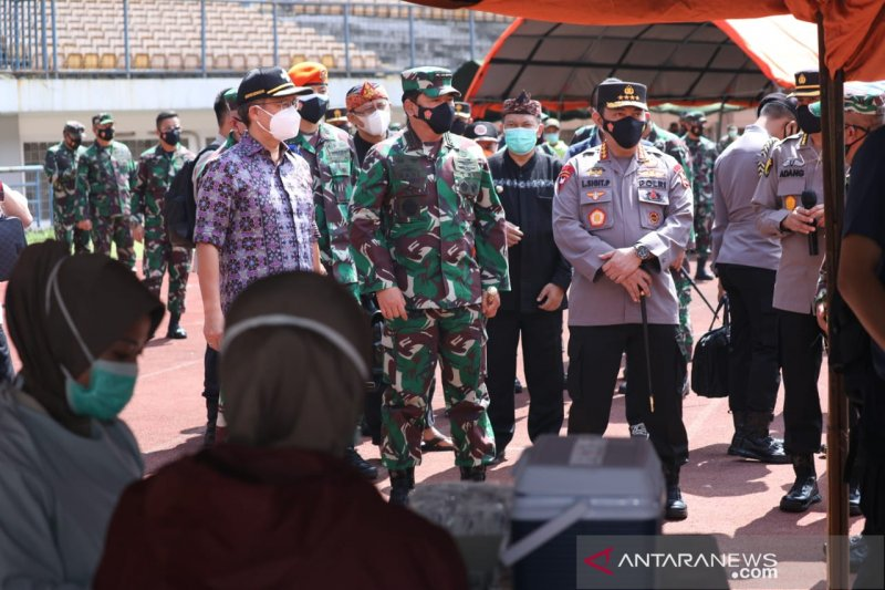 TNI dan Polri dukung program 1 juta vaksin/hari