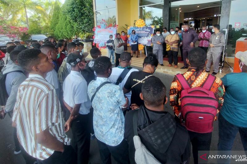 Tak lulus, peserta tes Bintara Polri mengadu ke DPRP Papua Barat