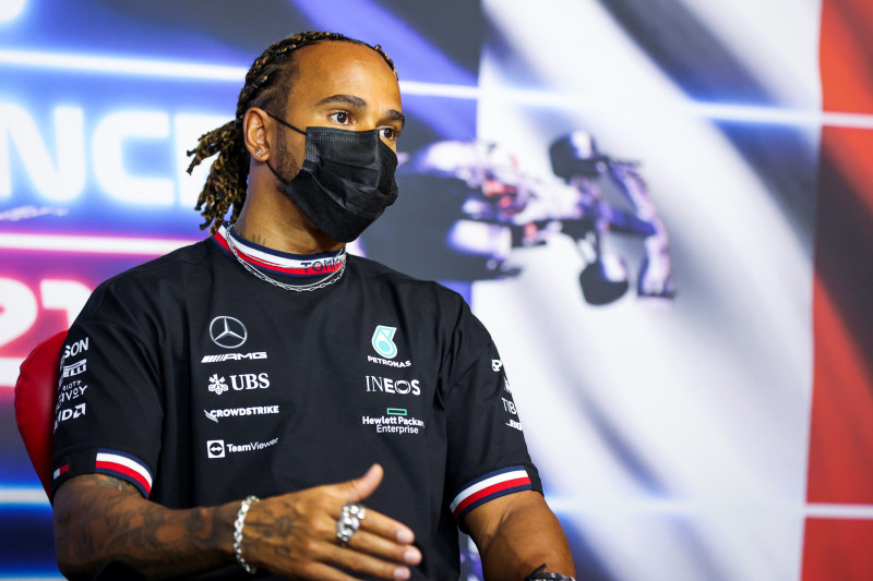 Mercedes modifikasi tombol 'ajaib' Hamilton setelah blunder di Baku