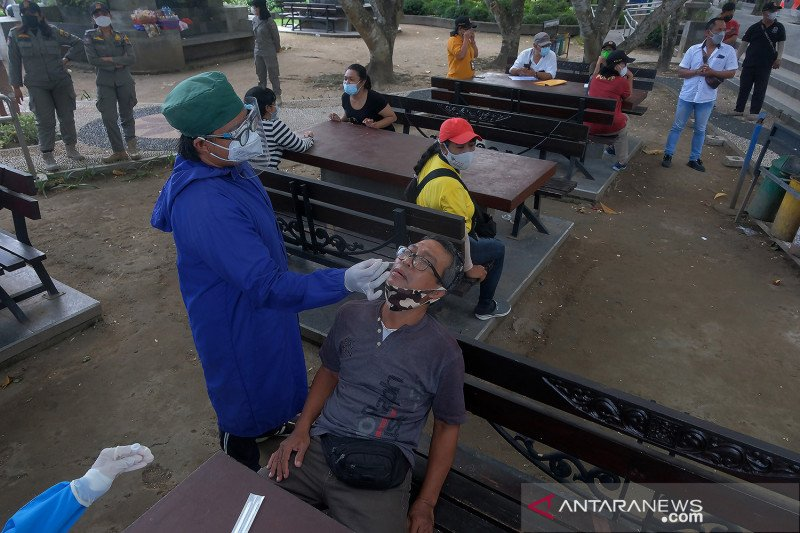 Tes Antigen di ruang publik Denpasar