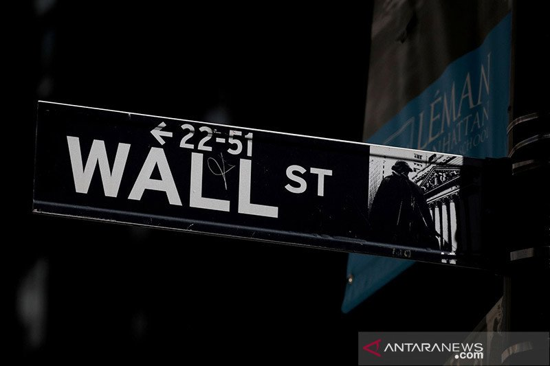 Wall Street berakhir naik tajam, dipimpin lonjakan indeks Dow 580 poin