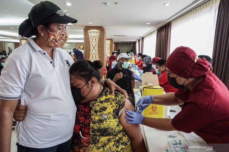 Vaksinasi COVID-19 untuk atlet PON XX Papua