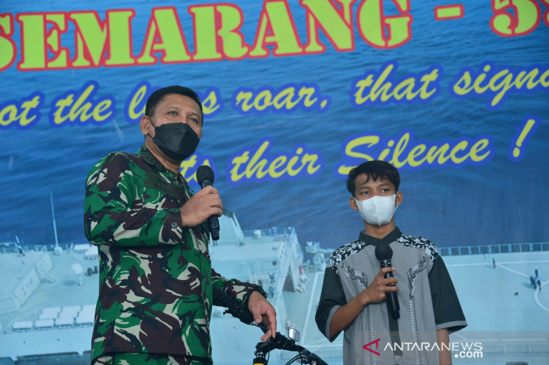 TNI AL apresiasi ketangguhan mental remaja yang terapung di laut