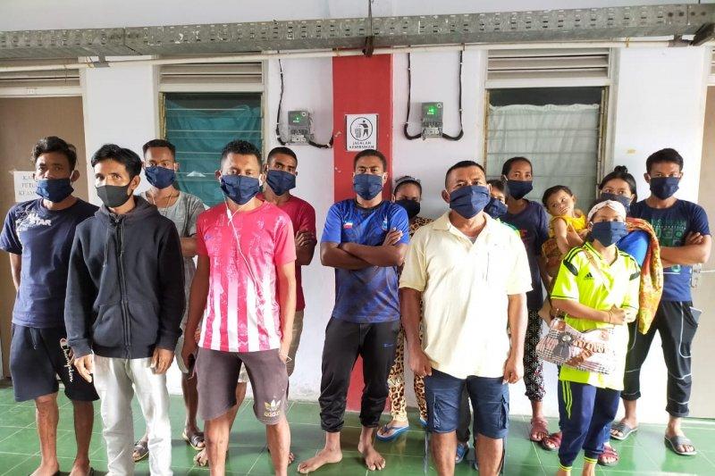 Orangtua sakit parah di kampung, belasan PMI pulang via jalur ilegal