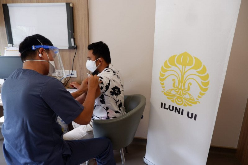 ILUNI UI berikan layanan vaksinasi bagi masyarakat
