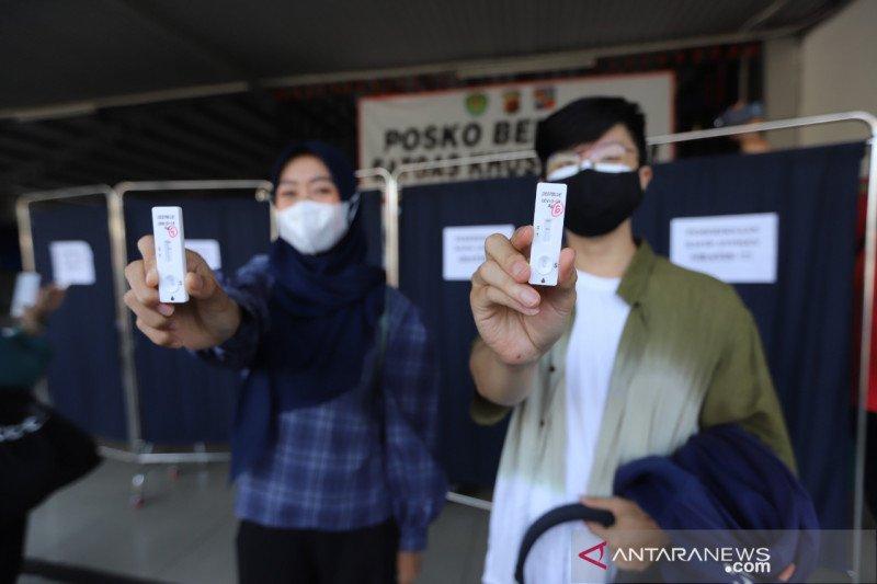 KAI Commuter lakukan tes antigen acak untuk penumpang di stasiun