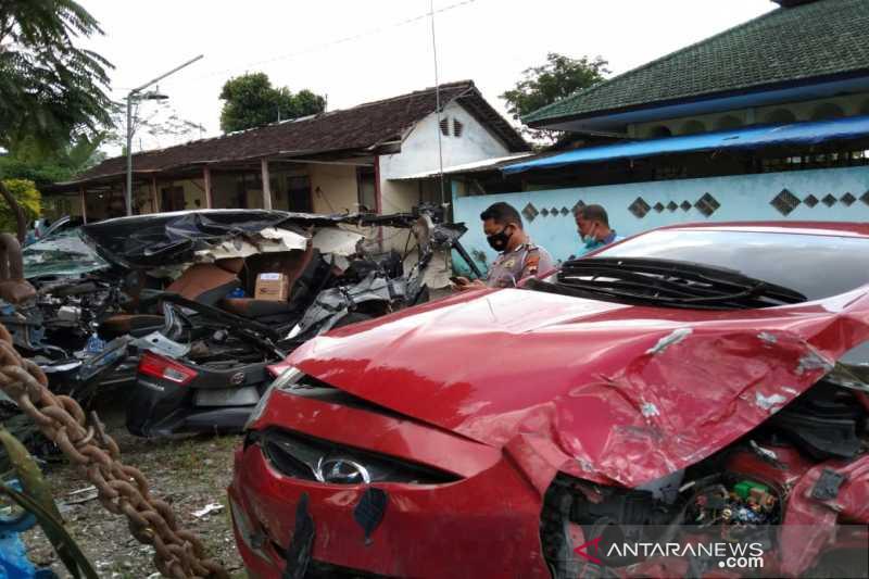 Kecelakaan di Jalan Tol Boyolali mengakibatkan dua korban meninggal
