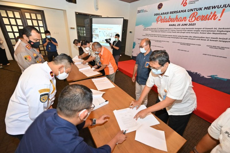 IPC Group dan mitra utama teken Deklarasi Bersama Pelabuhan Bersih