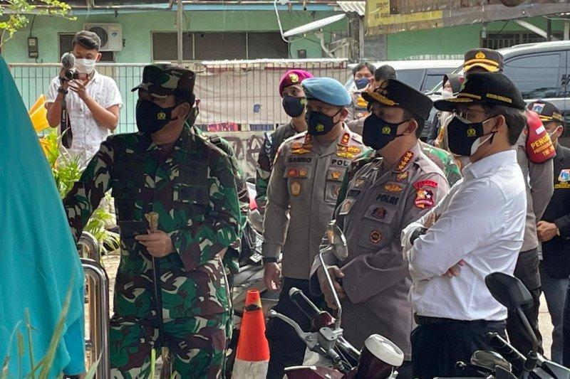 Kapolri dan Panglima TNI sidak penerapan PPKM mikro di Jakarta