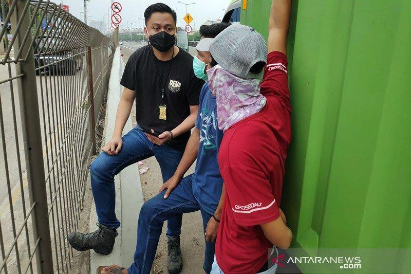Polres Jakarta Barat tangkap pelaku pungli di Cengkareng