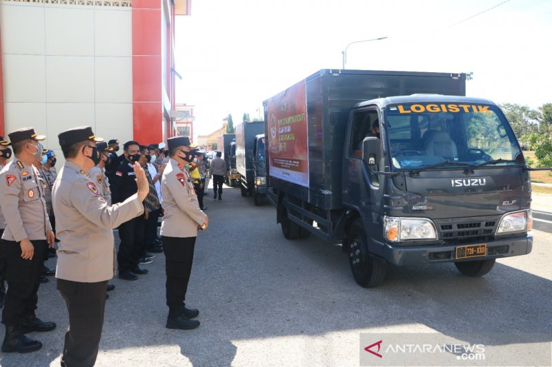Polda NTT distribusikan ribuan paket sembako sambut HUT Polri