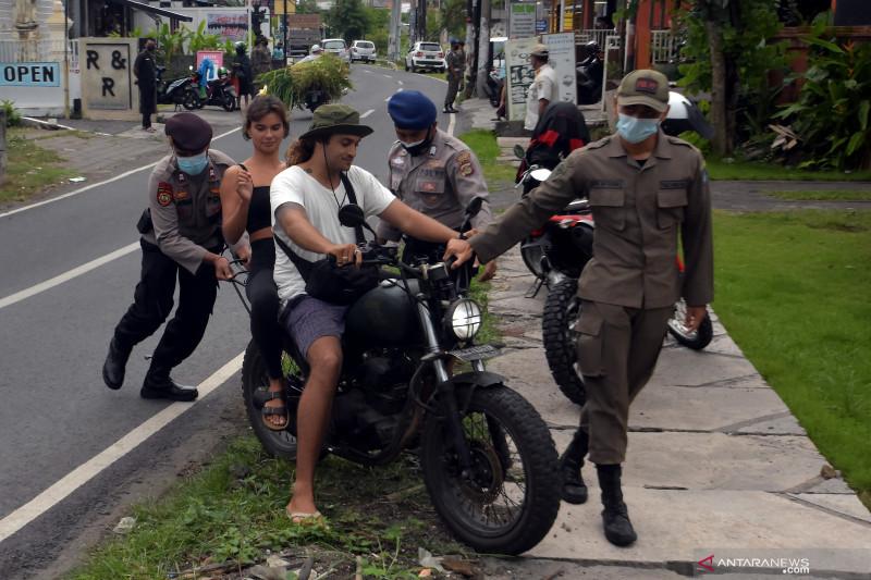 Dasco minta pemerintah larang WNA masuk Indonesia selama PPKM darurat