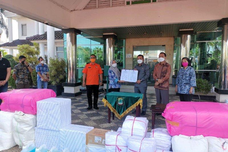 Peruri berikan bantuan APD untuk tenaga kesehatan di Karawang