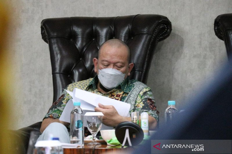 Ketua DPD RI imbau DKI kaji rencana naikkan tarif parkir maksimal