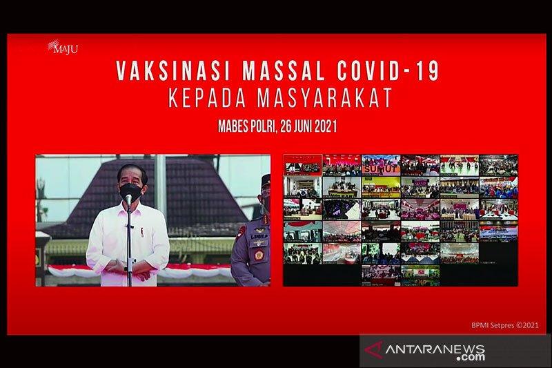 Presiden tinjau vaksinasi massal TNI-Polri serentak seluruh Indonesia