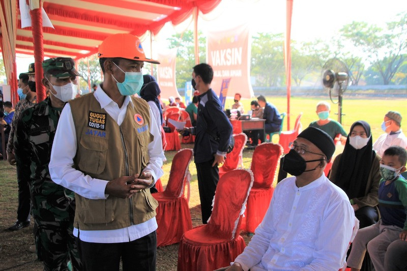 Ribuan warga Kabupaten OKI Sumsel ikuti vaksinasi COVID-19 massal