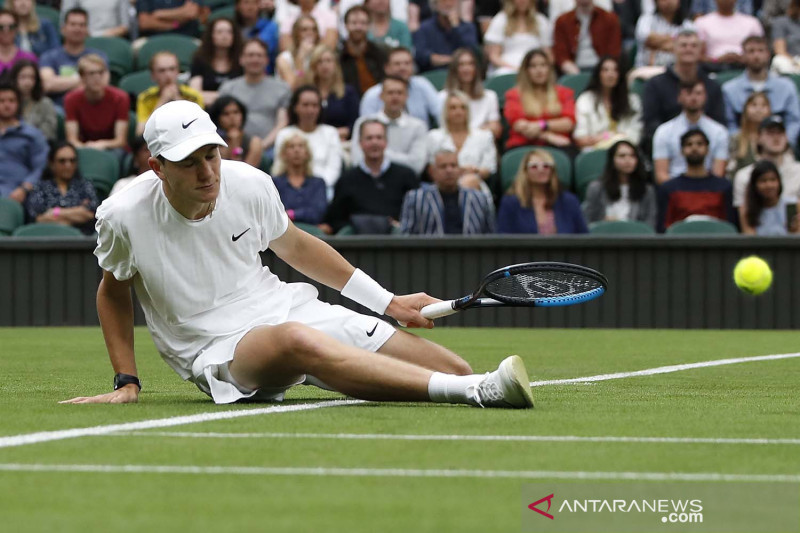 Wimbledon tanggapi insiden lapangan licin yang dialami petenis