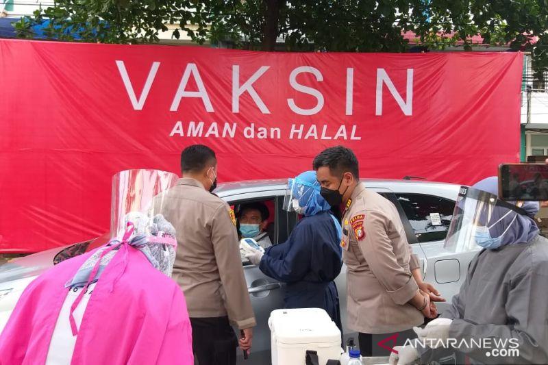Polres Jaksel adakan layanan vaksinasi bagi pengendara tanpa turun