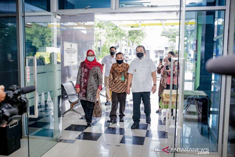Sejumlah rumah sakit di Jember tambah ruang isolasi pasien COVID-19