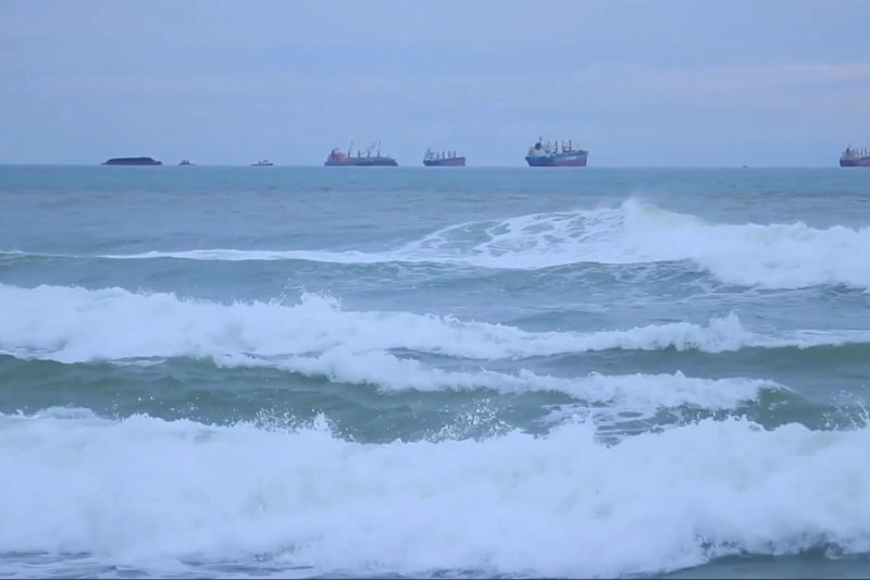BMKG Aceh: Waspadai angin kecang dan gelombang tinggi