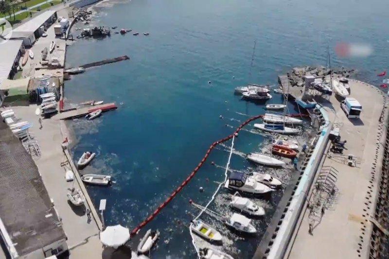 Turki sukses bersihkan 400 meter kubik ingus laut